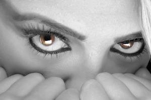 eyes-394175_640