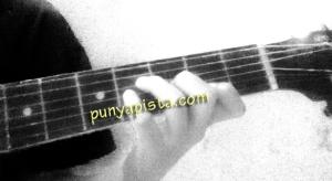 gitar b