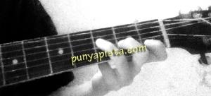 gitar f